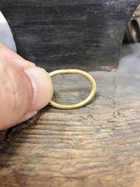 隙間が無くなった真鍮のリング