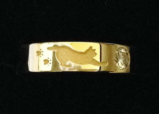 ネコの柄の指輪