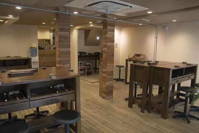 店内の作業台