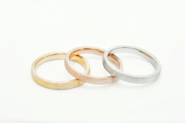 ヘアラインの指輪