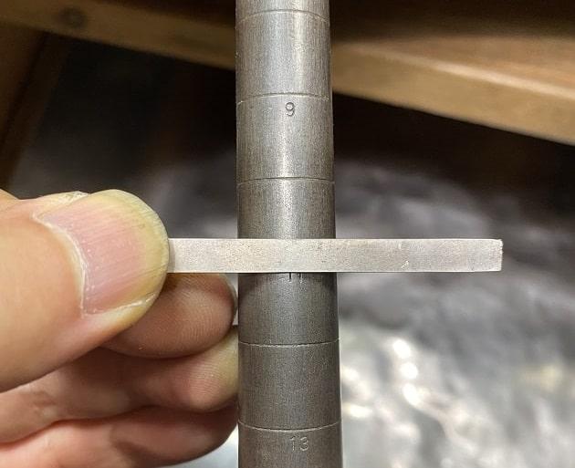 芯金と銀の板