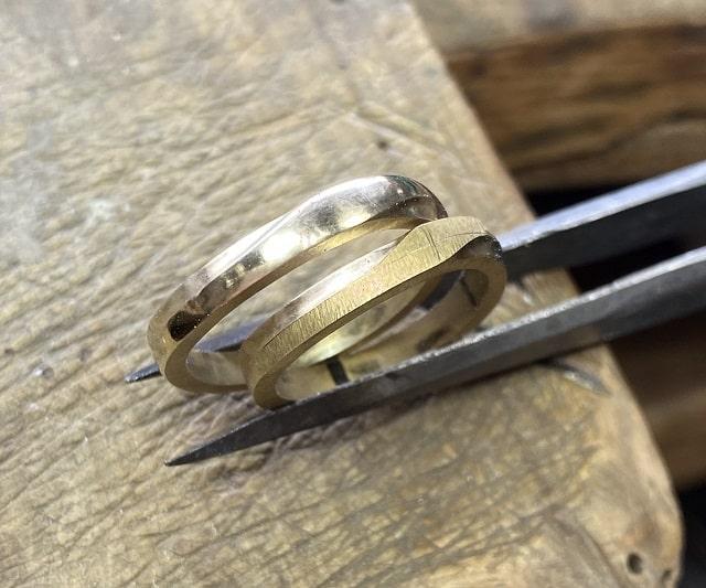 表面が綺麗になった指輪