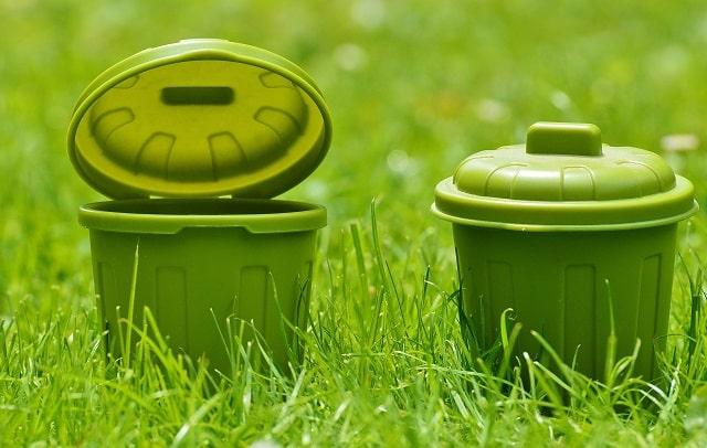 緑のゴミ箱